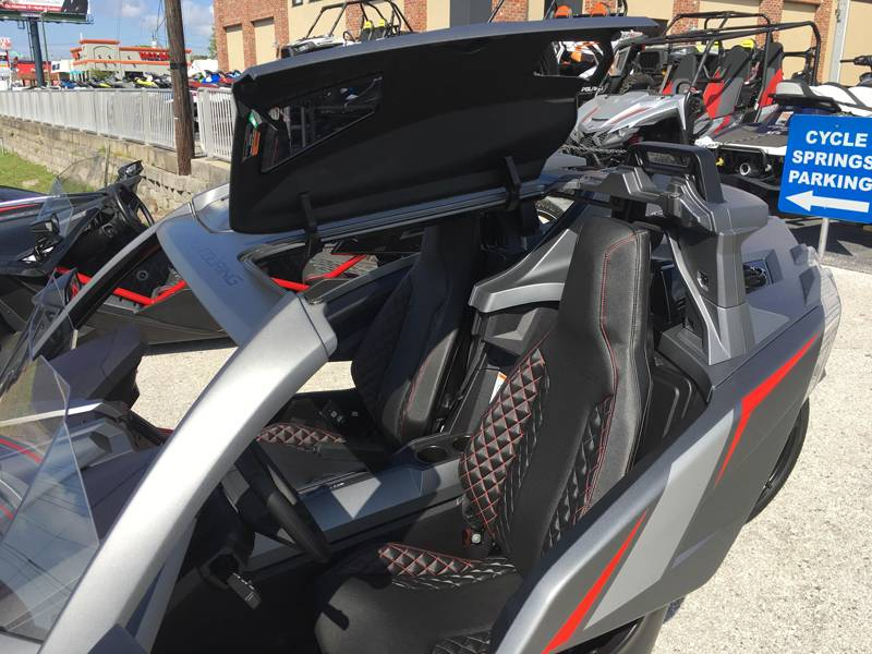 2018 Slingshot Slingshot Grand Touring LE in Clearwater, Florida - Photo 10