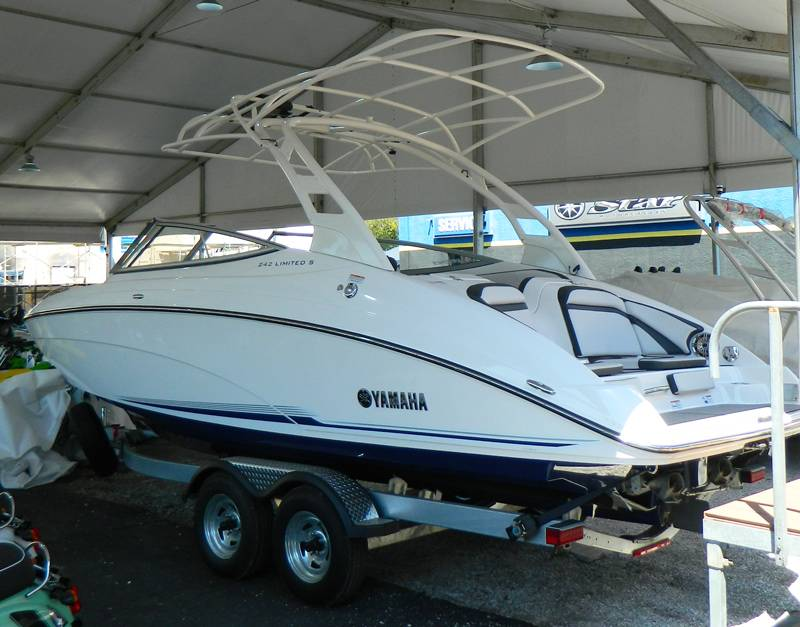2017 Yamaha 242 Limited S E-Series in Clearwater, Florida