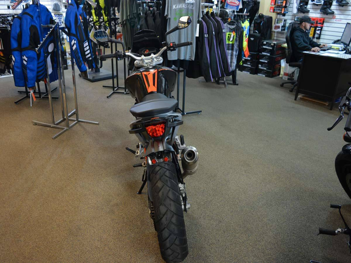 2014 KTM 690 Duke ABS in Clearwater, Florida - Photo 4