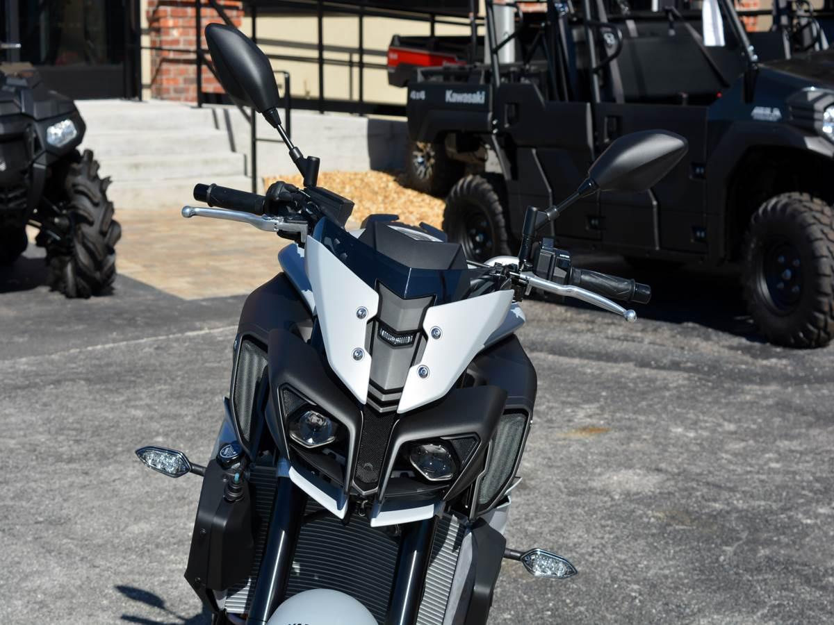 2019 Yamaha MT-10 10