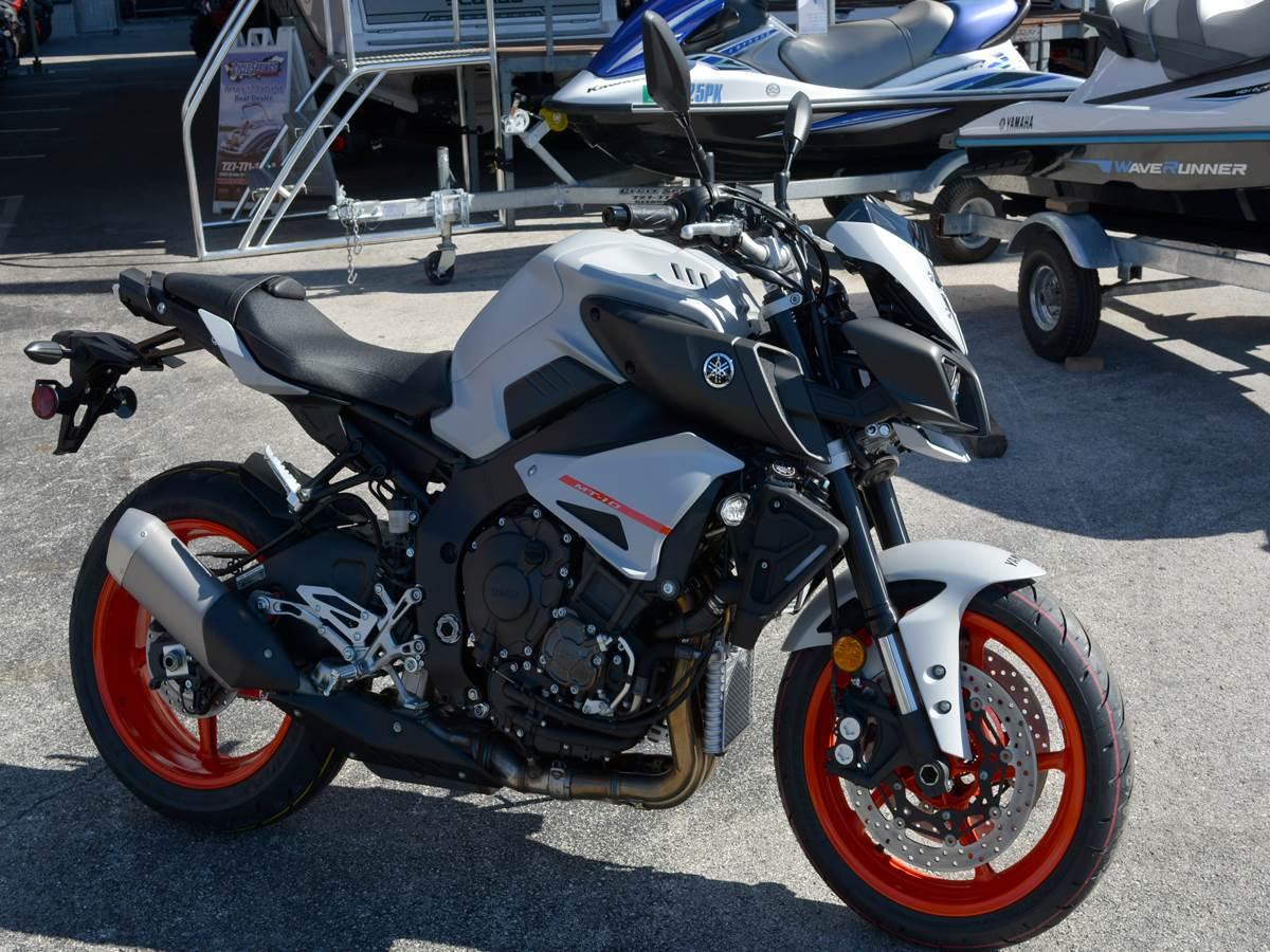 2019 Yamaha MT-10 12