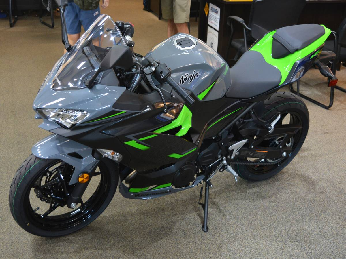 2019 Kawasaki Ninja 400 ABS in Clearwater, Florida - Photo 2