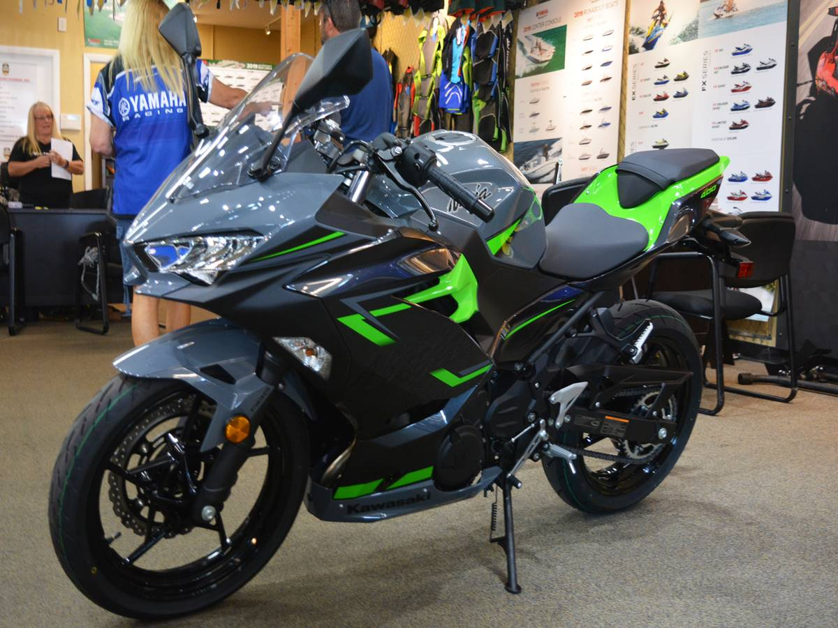 2019 Kawasaki Ninja 400 ABS in Clearwater, Florida - Photo 13