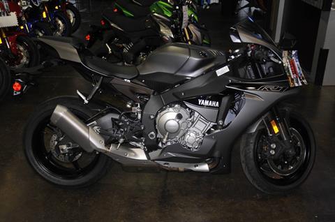 2016 Yamaha YZF-R1 in Roseville, California