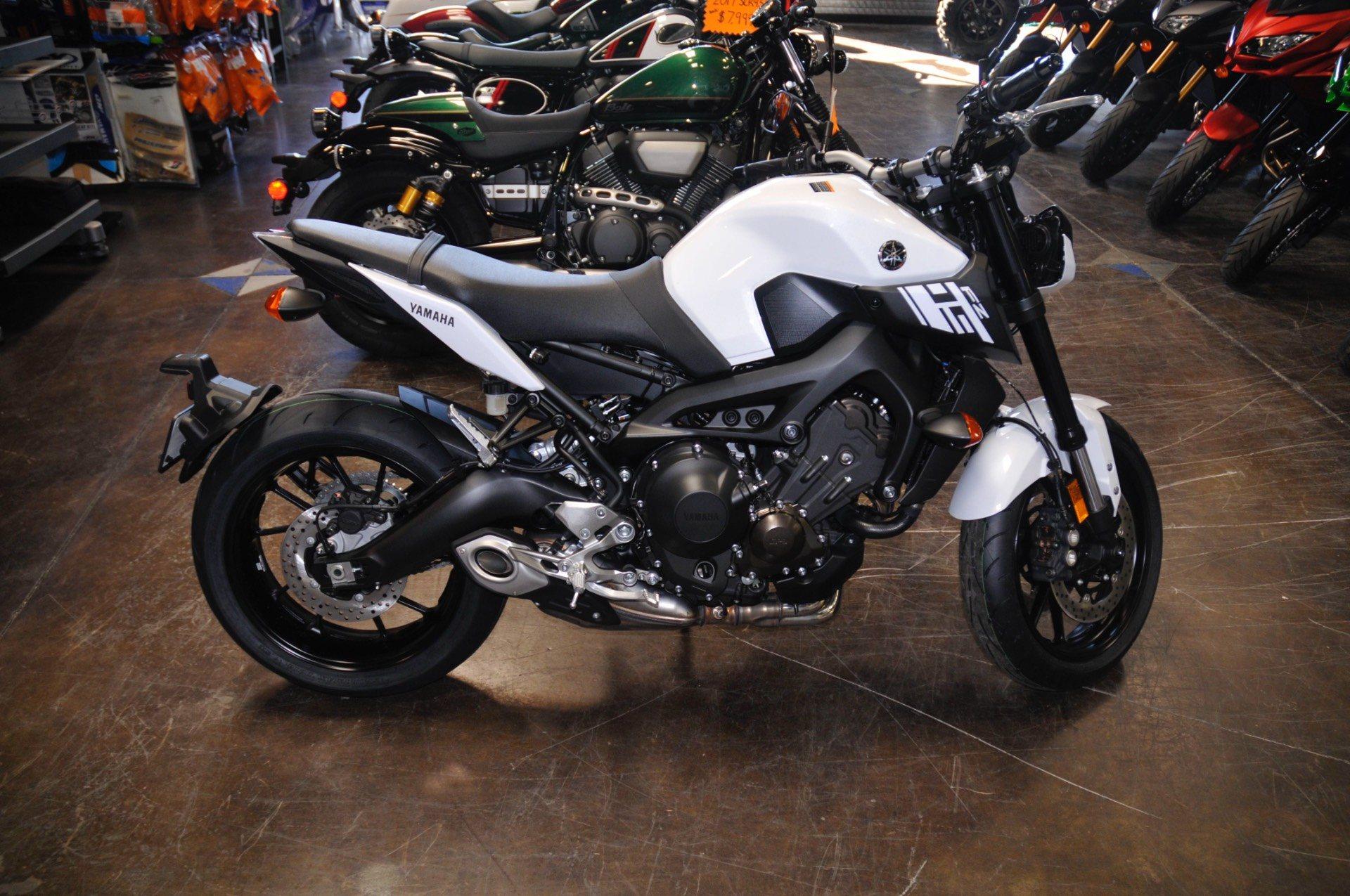 2017 Yamaha FZ-09 in Roseville, California
