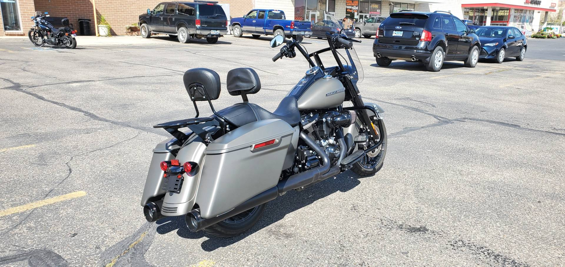 2018 Harley-Davidson Road King® Special in Green River, Wyoming - Photo 2