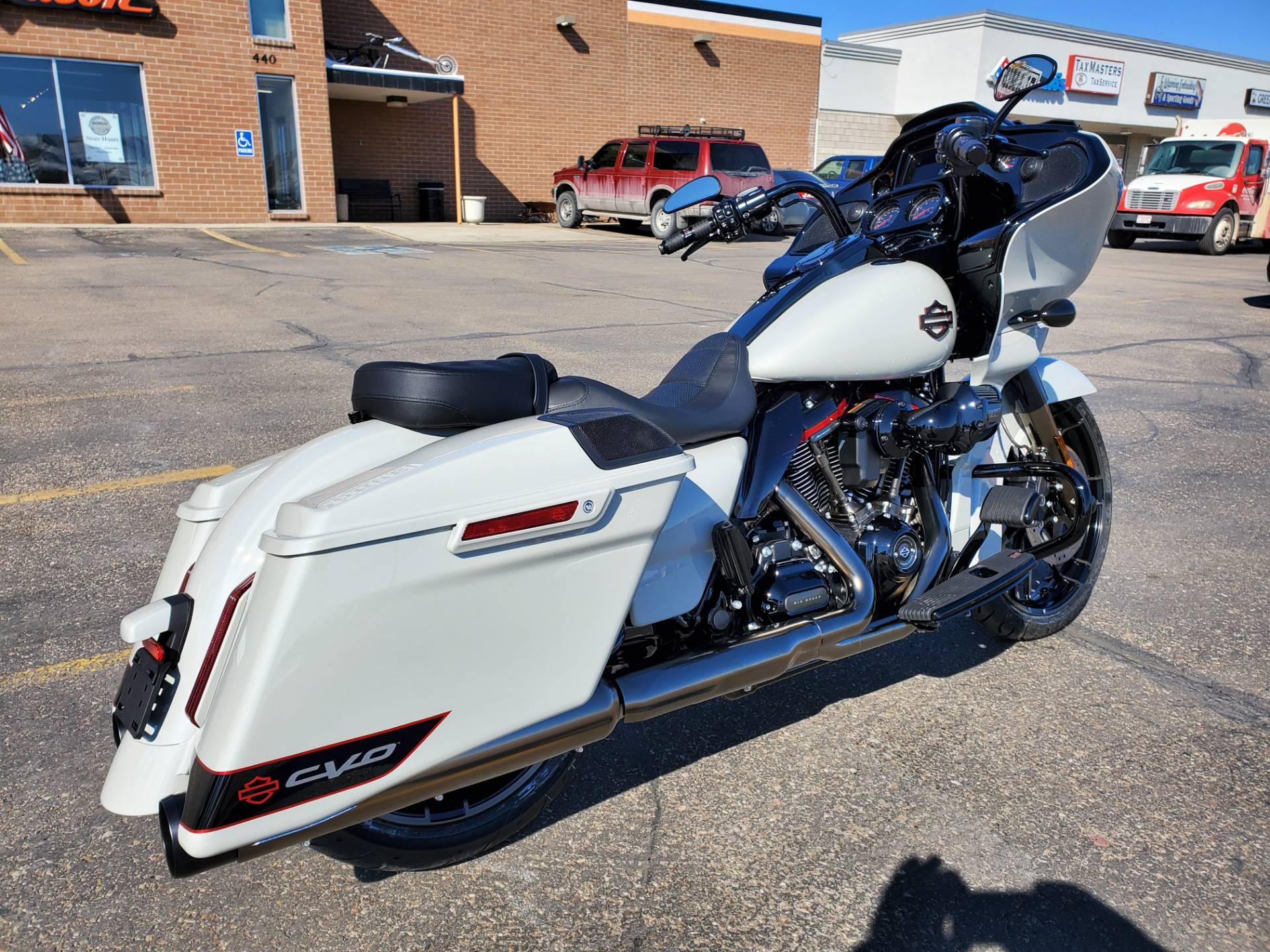 2020 Harley-Davidson CVO™ Road Glide® in Green River, Wyoming - Photo 2