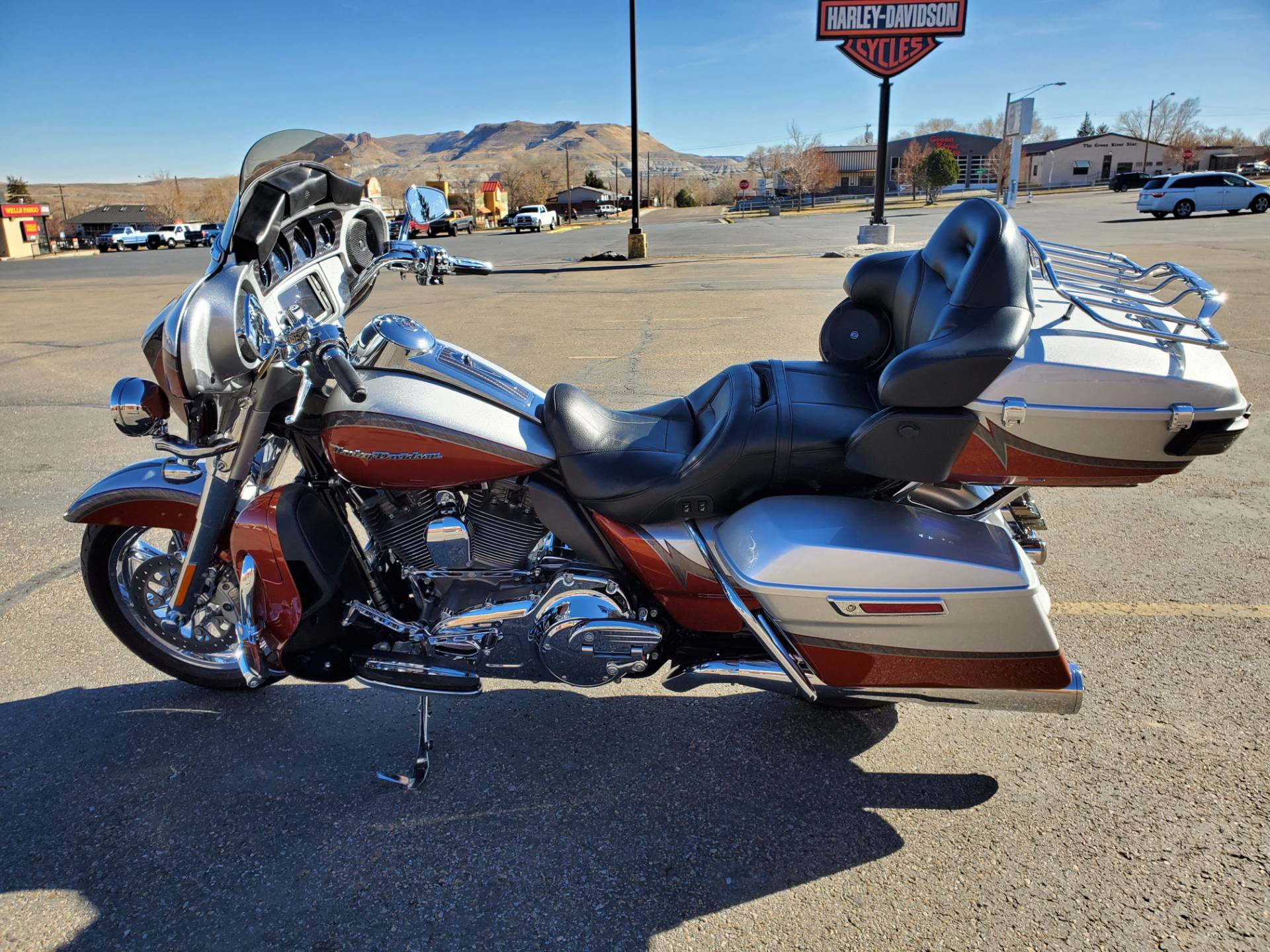 2014 Harley-Davidson CVO™ Limited in Green River, Wyoming - Photo 6