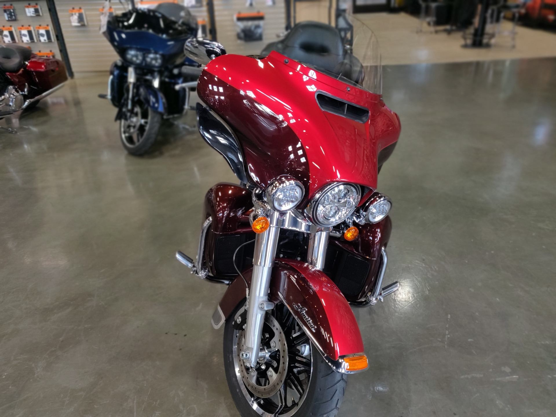 2018 Harley-Davidson Ultra Limited in Faribault, Minnesota - Photo 2