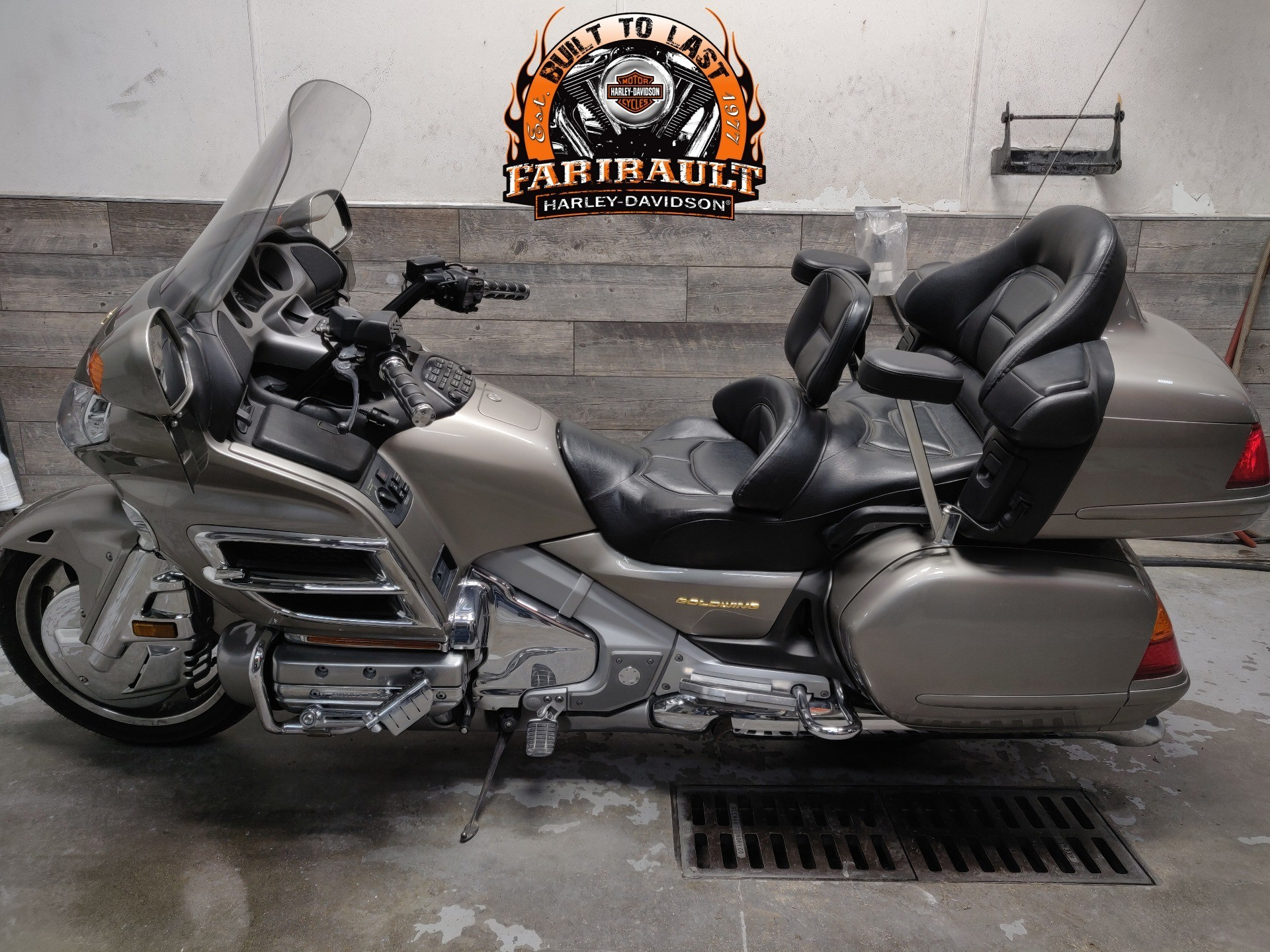 2002 Honda Gold Wing in Faribault, Minnesota - Photo 4