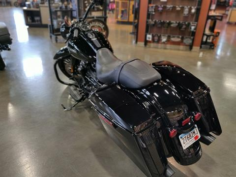 2017 Harley-Davidson Road King® Special in Faribault, Minnesota - Photo 5