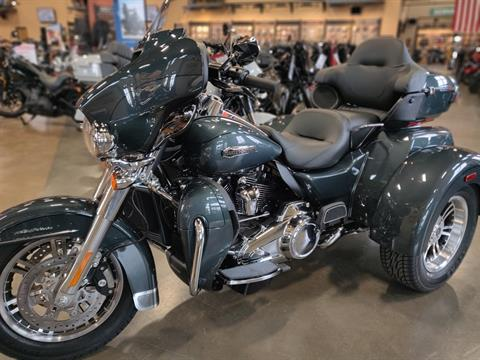2020 Harley-Davidson Tri Glide® Ultra in Faribault, Minnesota - Photo 2