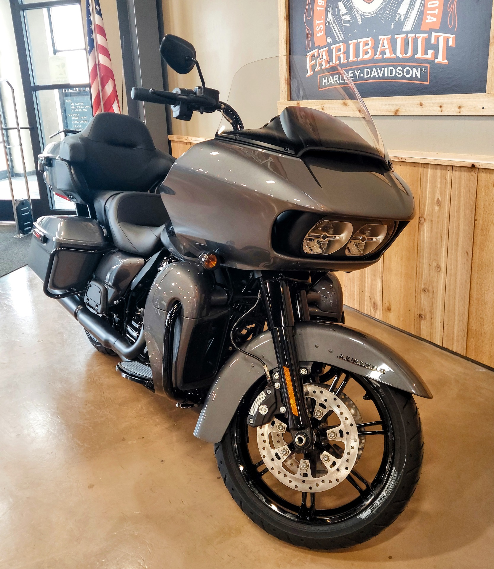2021 Harley-Davidson Road Glide® Limited in Faribault, Minnesota - Photo 2