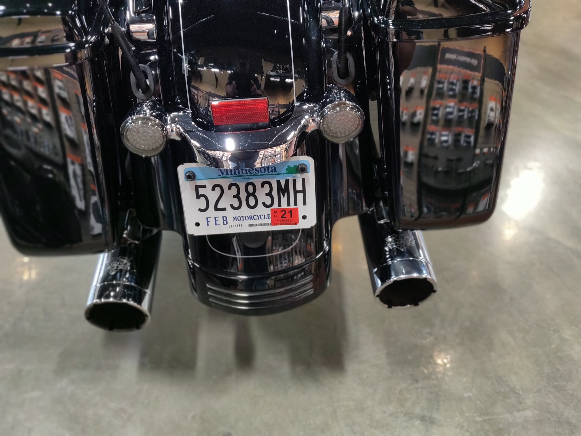 2015 Harley-Davidson Road Glide® Special in Faribault, Minnesota - Photo 7