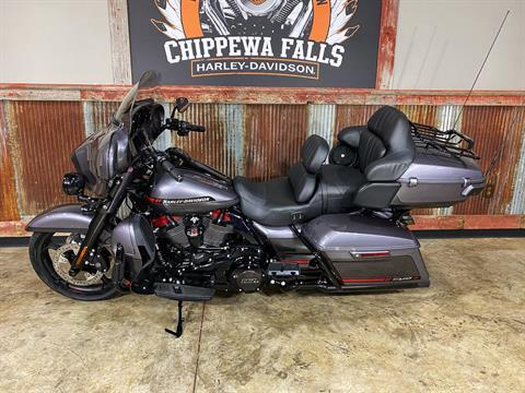 2020 Harley-Davidson CVO™ Limited in Chippewa Falls, Wisconsin - Photo 16