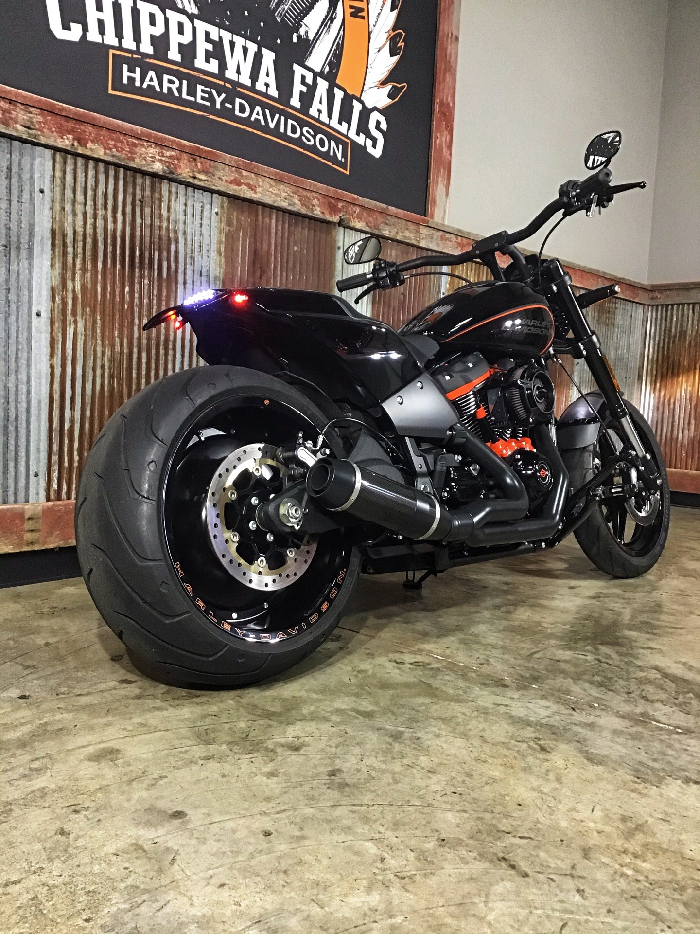 2019 Harley-Davidson FXDR™ 114 in Chippewa Falls, Wisconsin - Photo 13