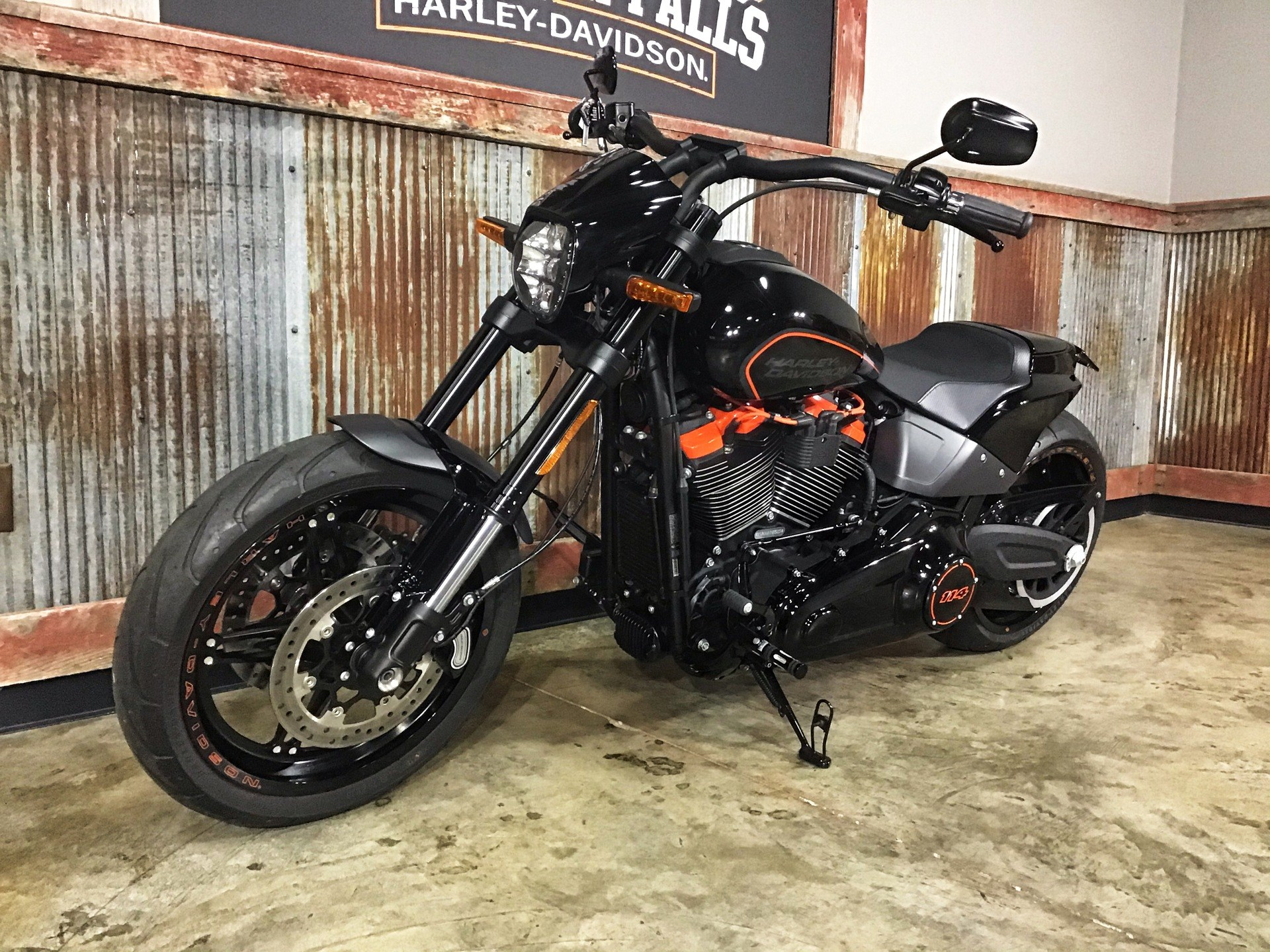 2019 Harley-Davidson FXDR™ 114 in Chippewa Falls, Wisconsin - Photo 19