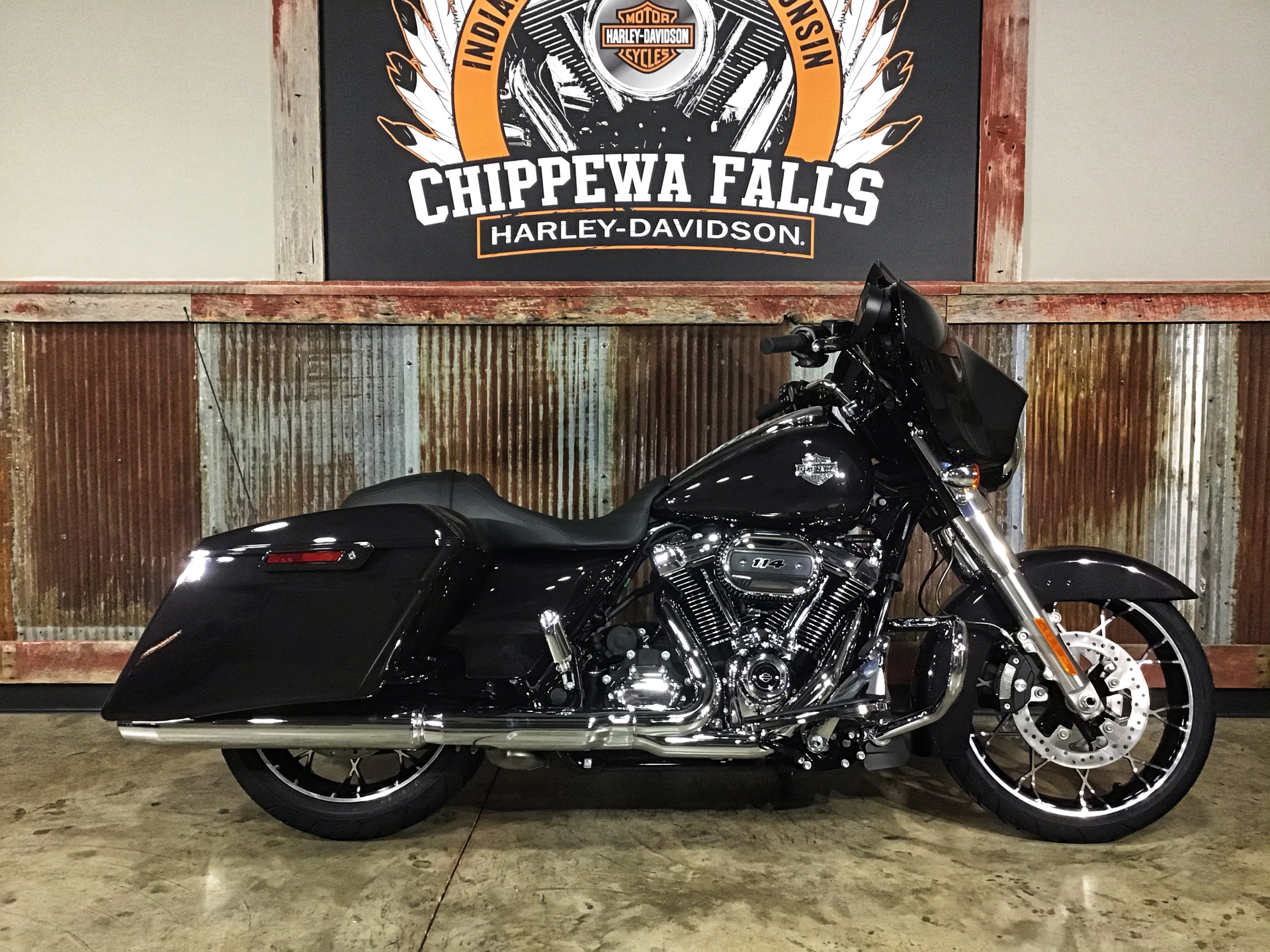 2021 Harley-Davidson Street Glide® Special in Chippewa Falls, Wisconsin - Photo 1