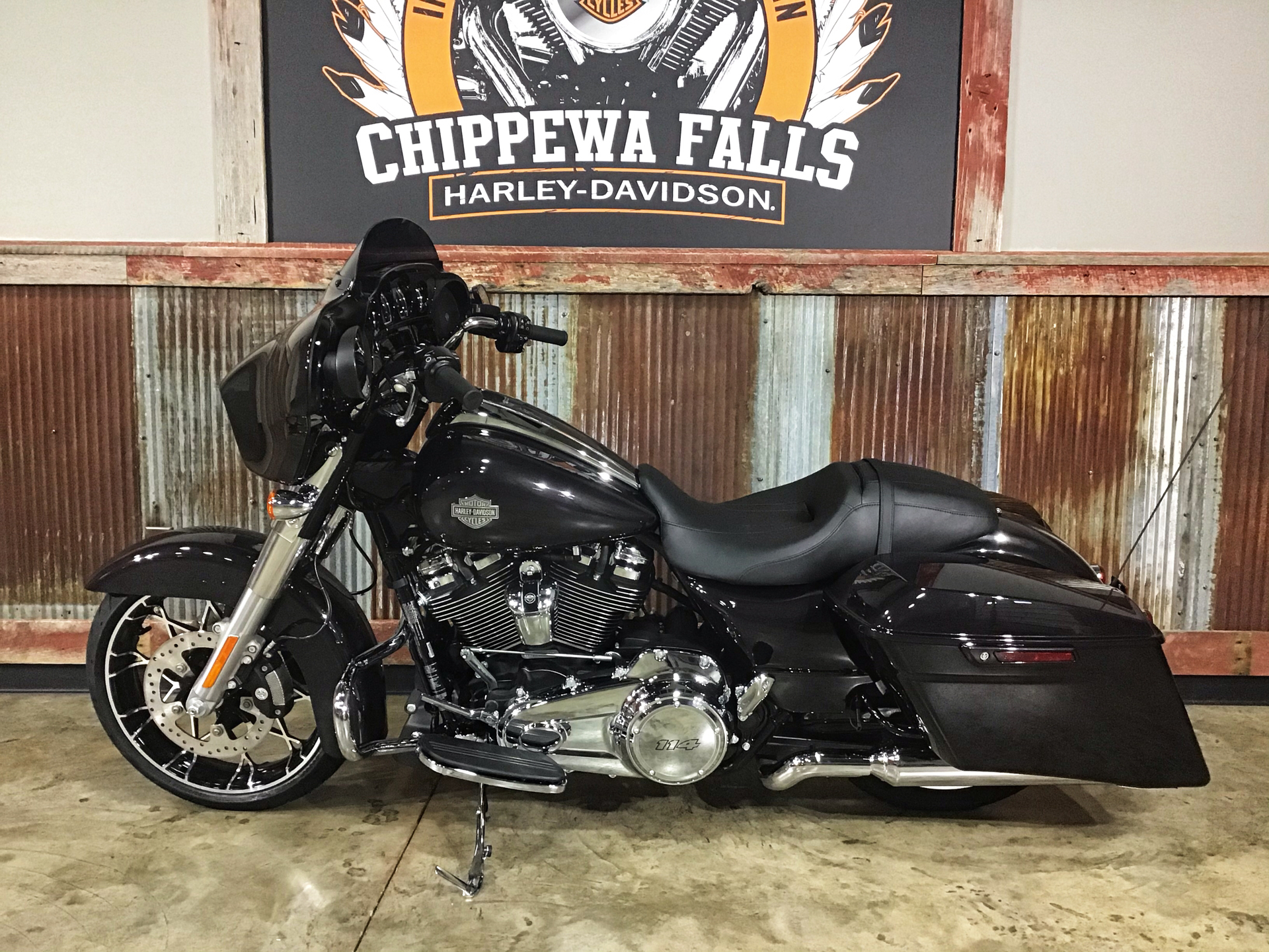2021 Harley-Davidson Street Glide® Special in Chippewa Falls, Wisconsin - Photo 9