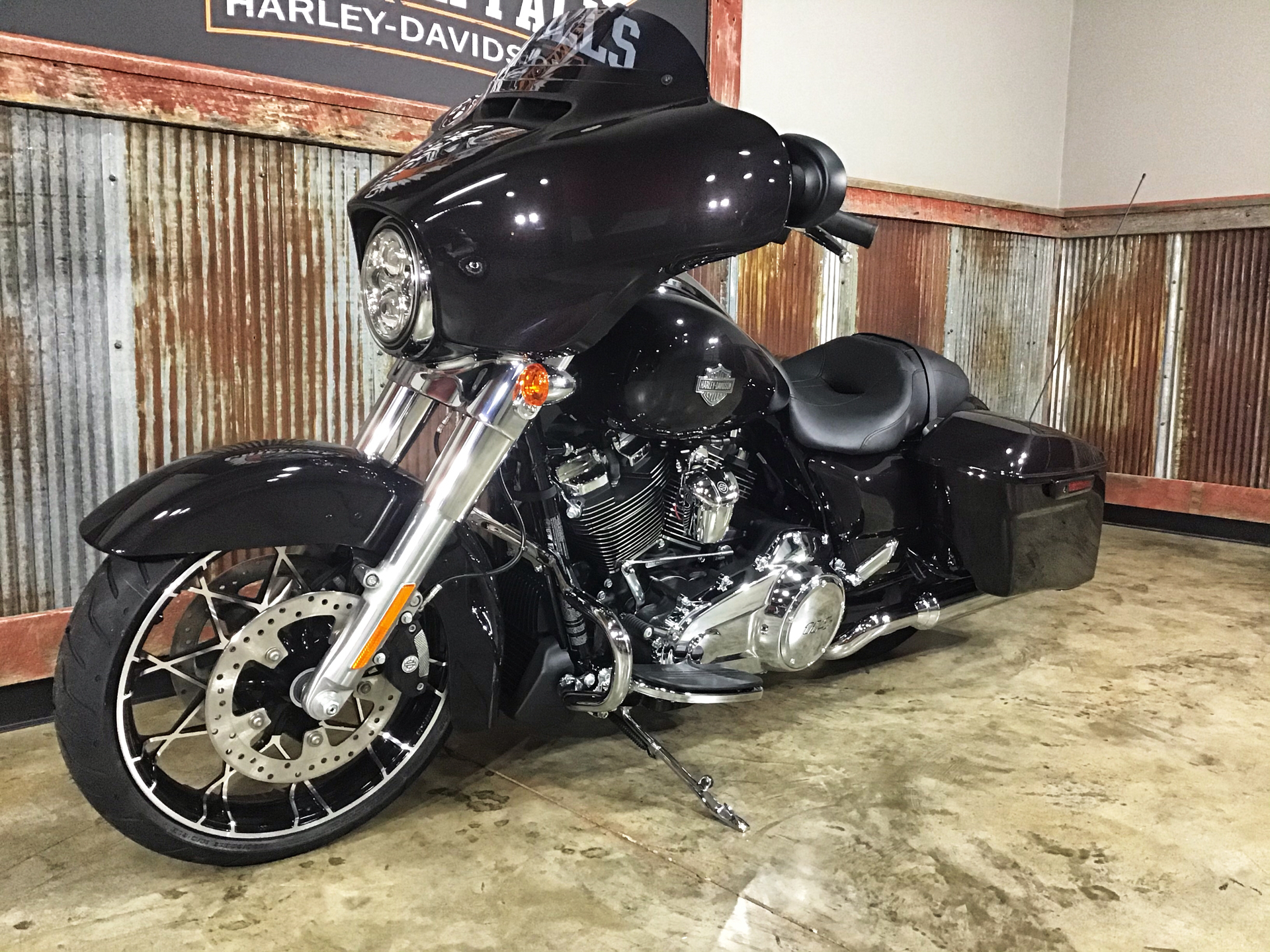 2021 Harley-Davidson Street Glide® Special in Chippewa Falls, Wisconsin - Photo 12
