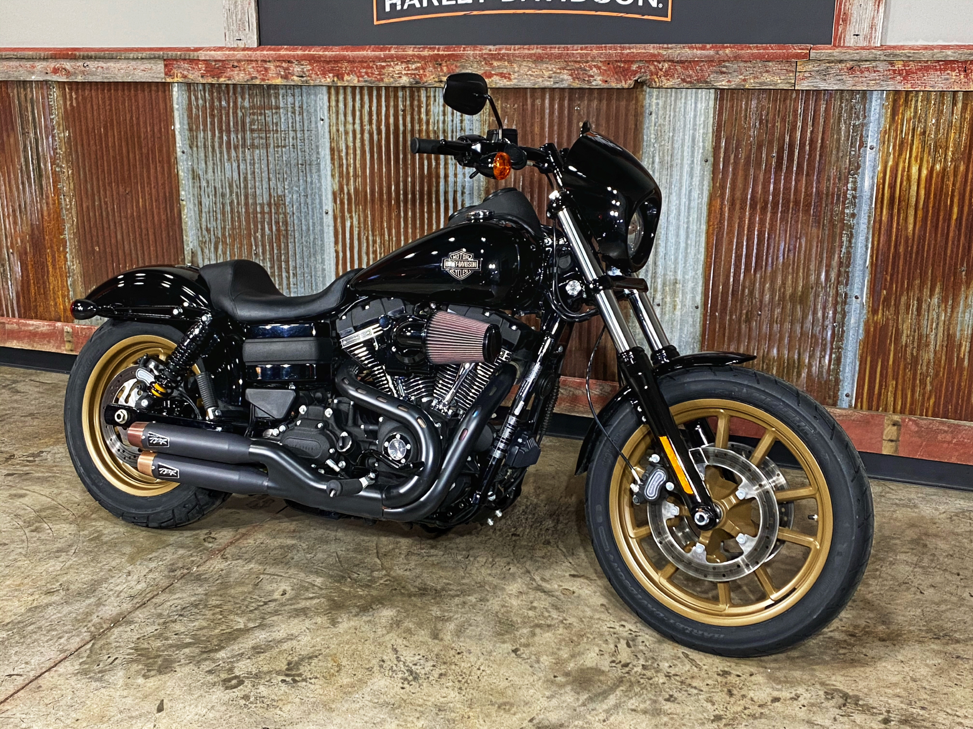 2016 Harley-Davidson Low Rider® S in Chippewa Falls, Wisconsin - Photo 4