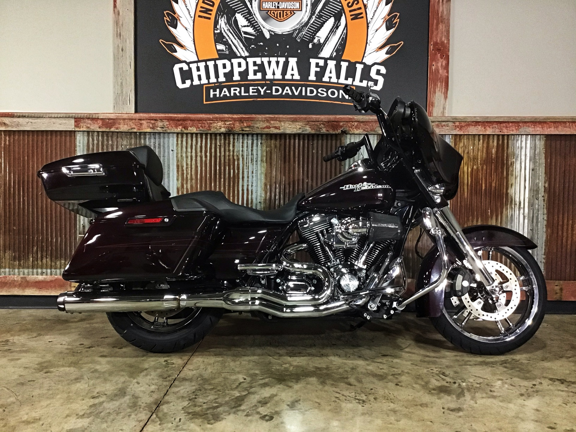 2014 Harley-Davidson Street Glide® Special in Chippewa Falls, Wisconsin - Photo 2