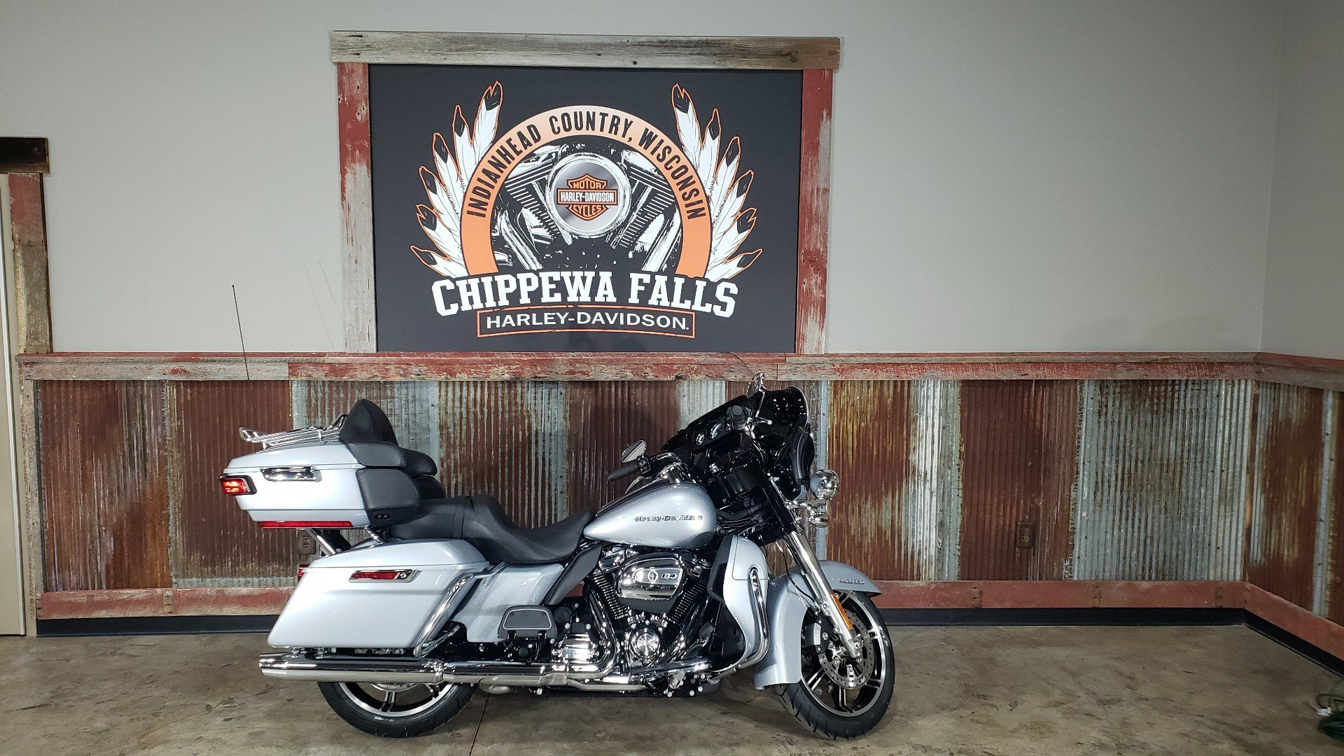 2020 Harley-Davidson Ultra Limited in Chippewa Falls, Wisconsin - Photo 2