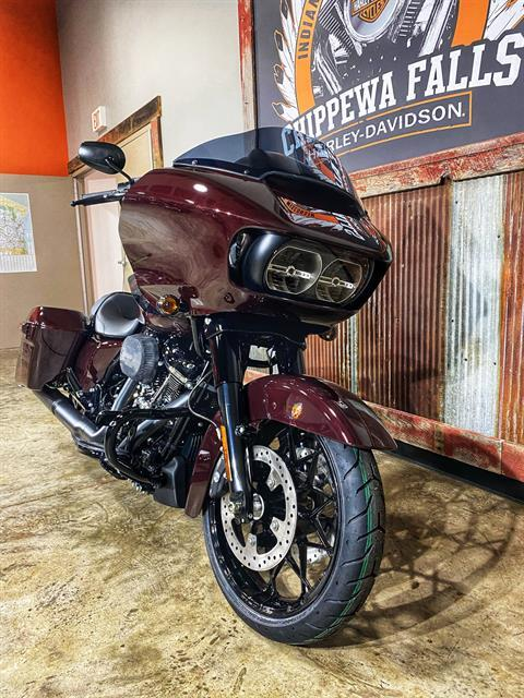2021 Harley-Davidson Road Glide® Special in Chippewa Falls, Wisconsin - Photo 2