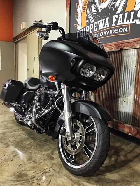 2016 Harley-Davidson Road Glide® in Chippewa Falls, Wisconsin - Photo 9