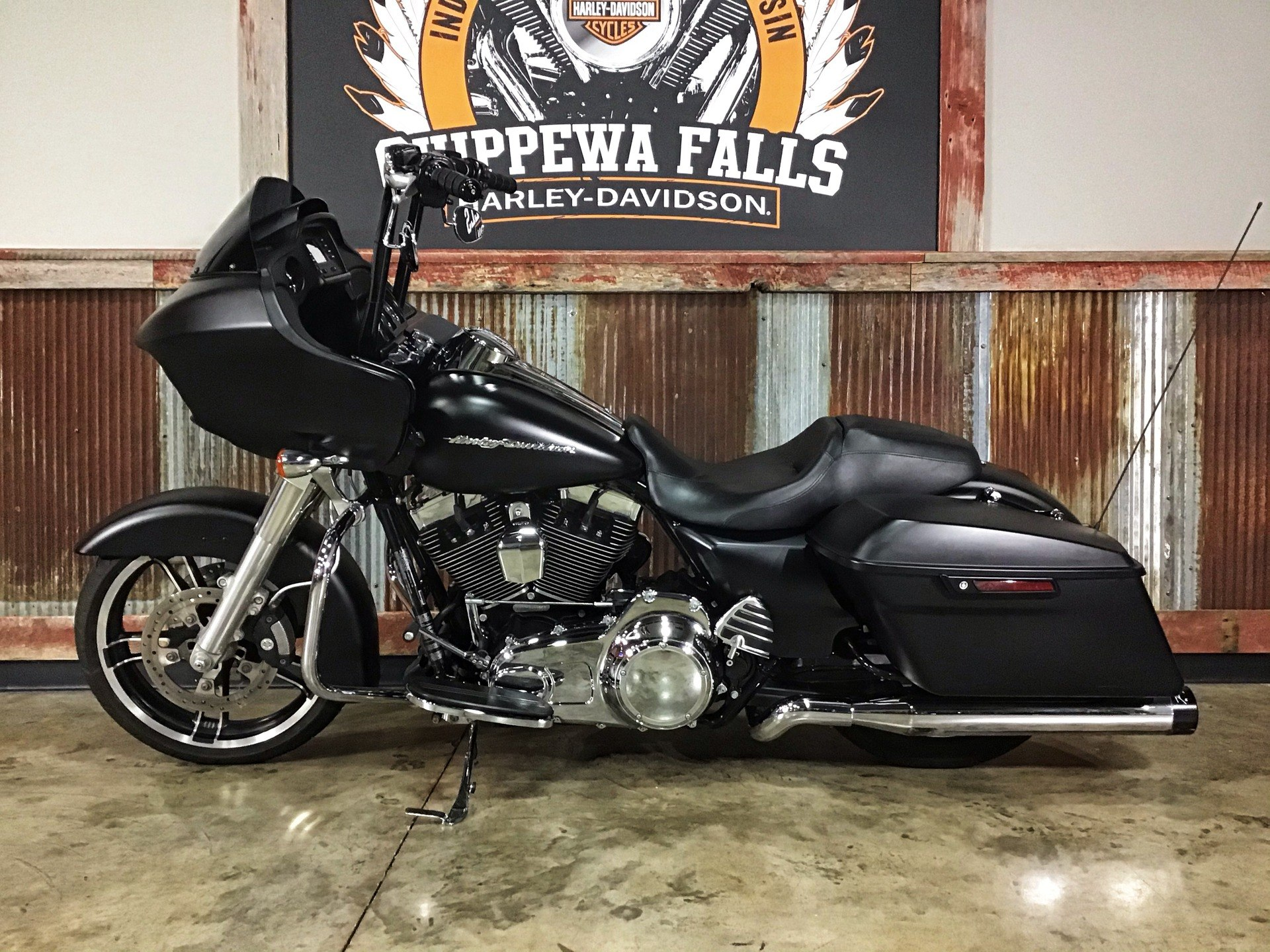 2016 Harley-Davidson Road Glide® in Chippewa Falls, Wisconsin - Photo 10