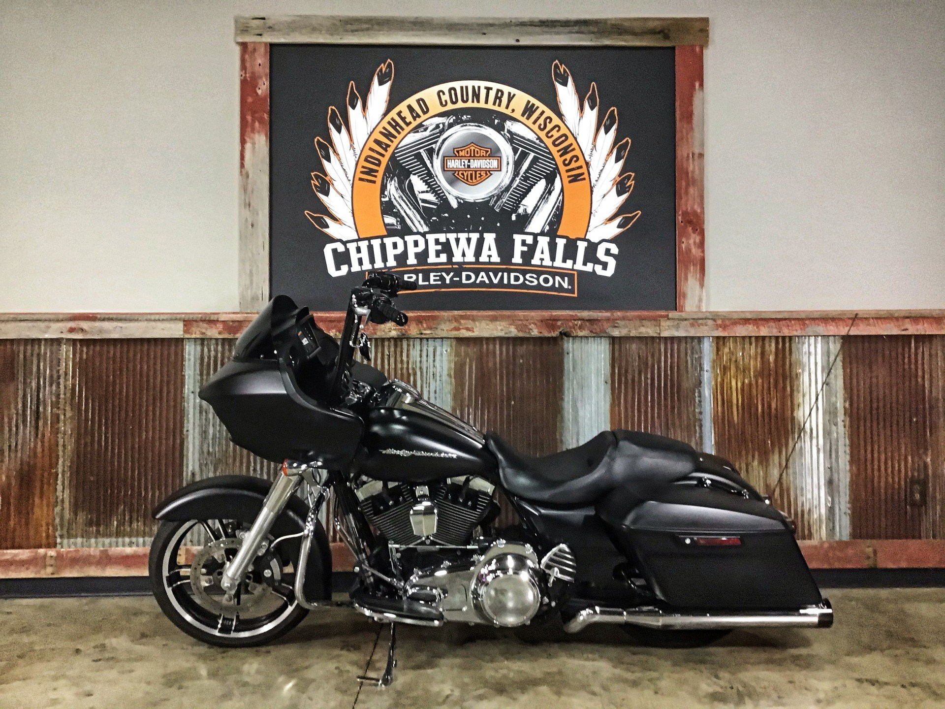 2016 Harley-Davidson Road Glide® in Chippewa Falls, Wisconsin - Photo 11