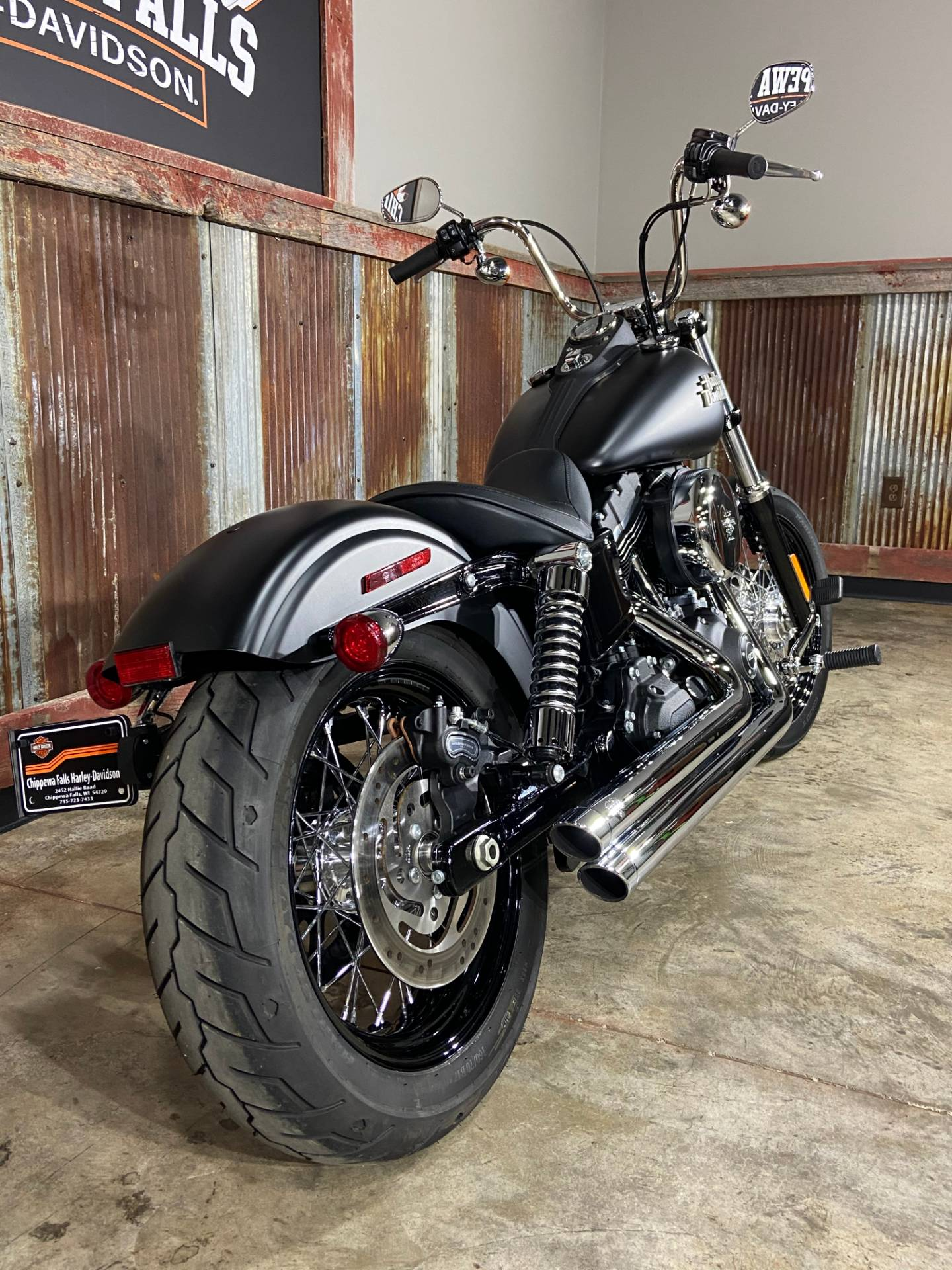 2017 Harley-Davidson Street Bob® in Chippewa Falls, Wisconsin - Photo 6
