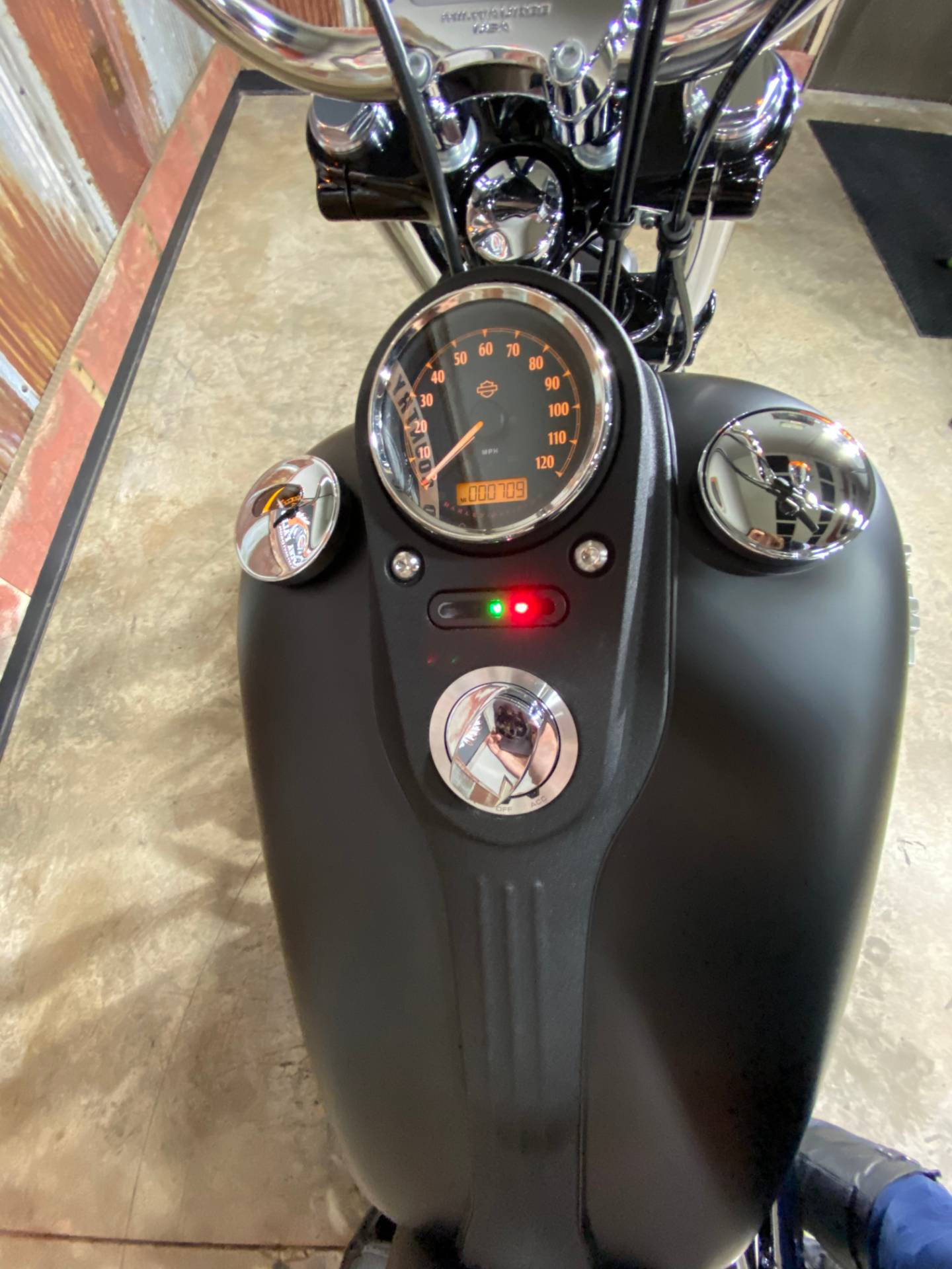 2017 Harley-Davidson Street Bob® in Chippewa Falls, Wisconsin - Photo 11