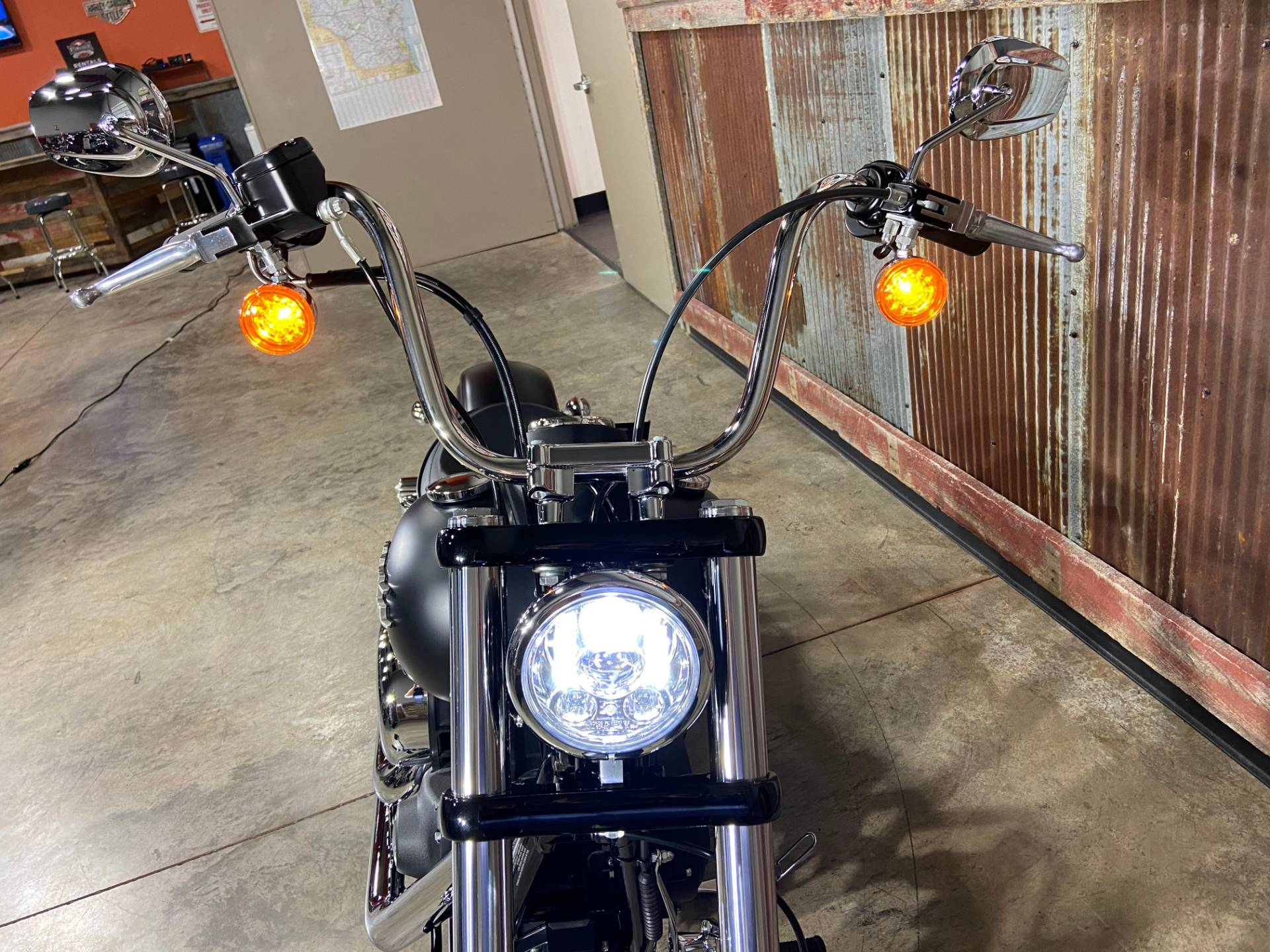 2017 Harley-Davidson Street Bob® in Chippewa Falls, Wisconsin - Photo 18