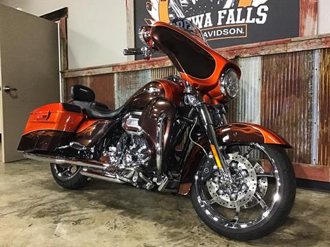 2012 Harley-Davidson CVO™ Street Glide® in Chippewa Falls, Wisconsin - Photo 3