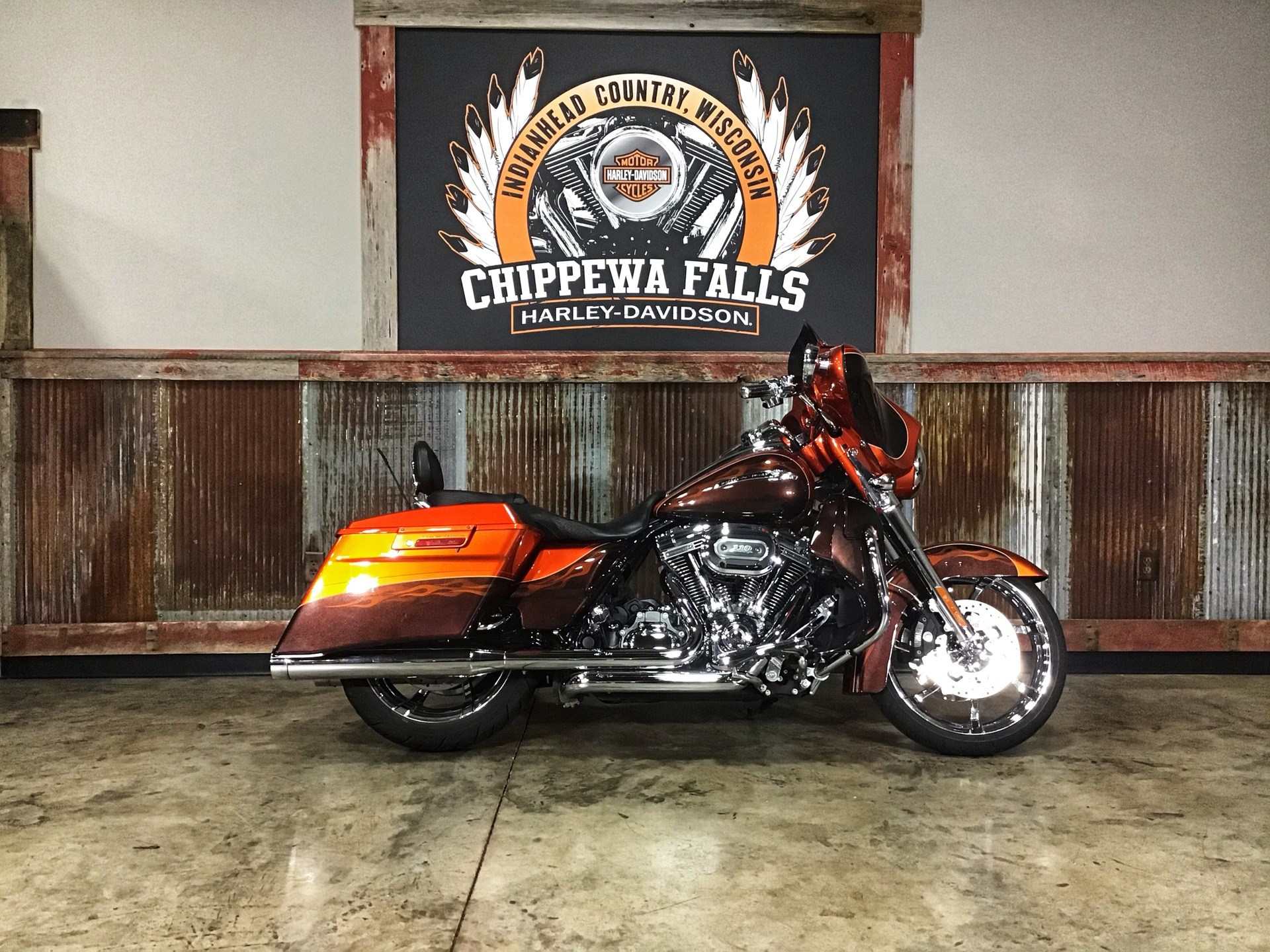 2012 Harley-Davidson CVO™ Street Glide® in Chippewa Falls, Wisconsin - Photo 2