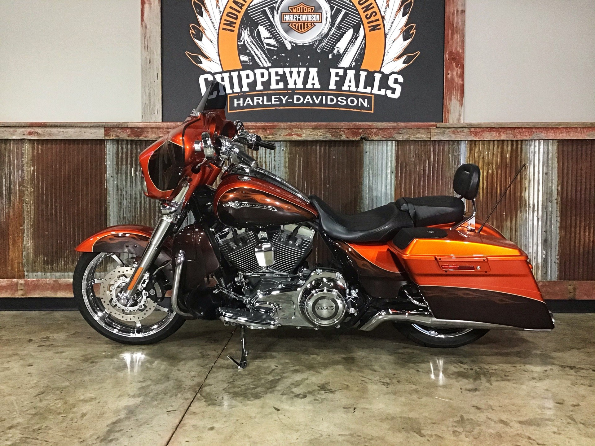 2012 Harley-Davidson CVO™ Street Glide® in Chippewa Falls, Wisconsin - Photo 17