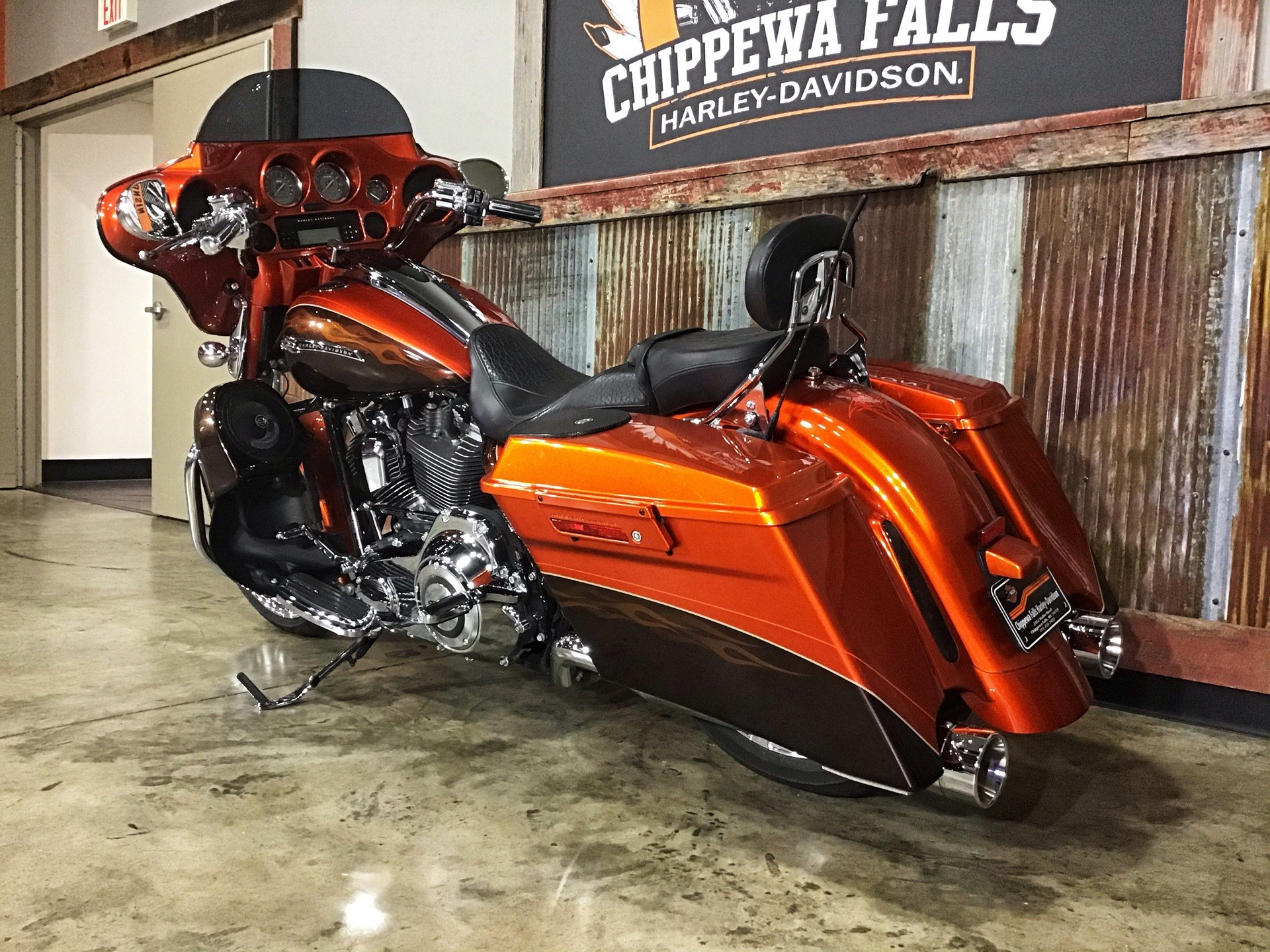 2012 Harley-Davidson CVO™ Street Glide® in Chippewa Falls, Wisconsin - Photo 19