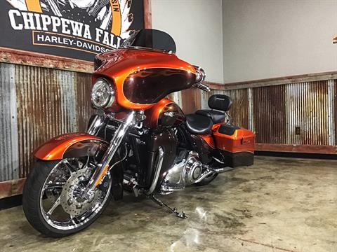 2012 Harley-Davidson CVO™ Street Glide® in Chippewa Falls, Wisconsin - Photo 20