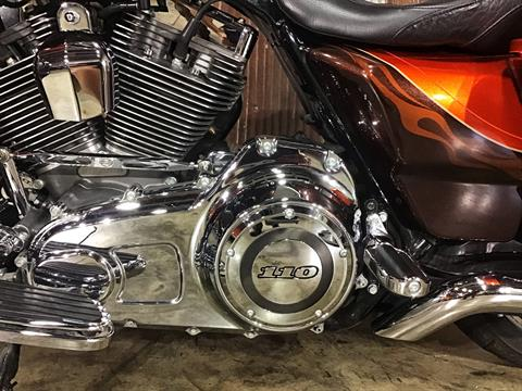 2012 Harley-Davidson CVO™ Street Glide® in Chippewa Falls, Wisconsin - Photo 23
