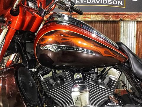 2012 Harley-Davidson CVO™ Street Glide® in Chippewa Falls, Wisconsin - Photo 24