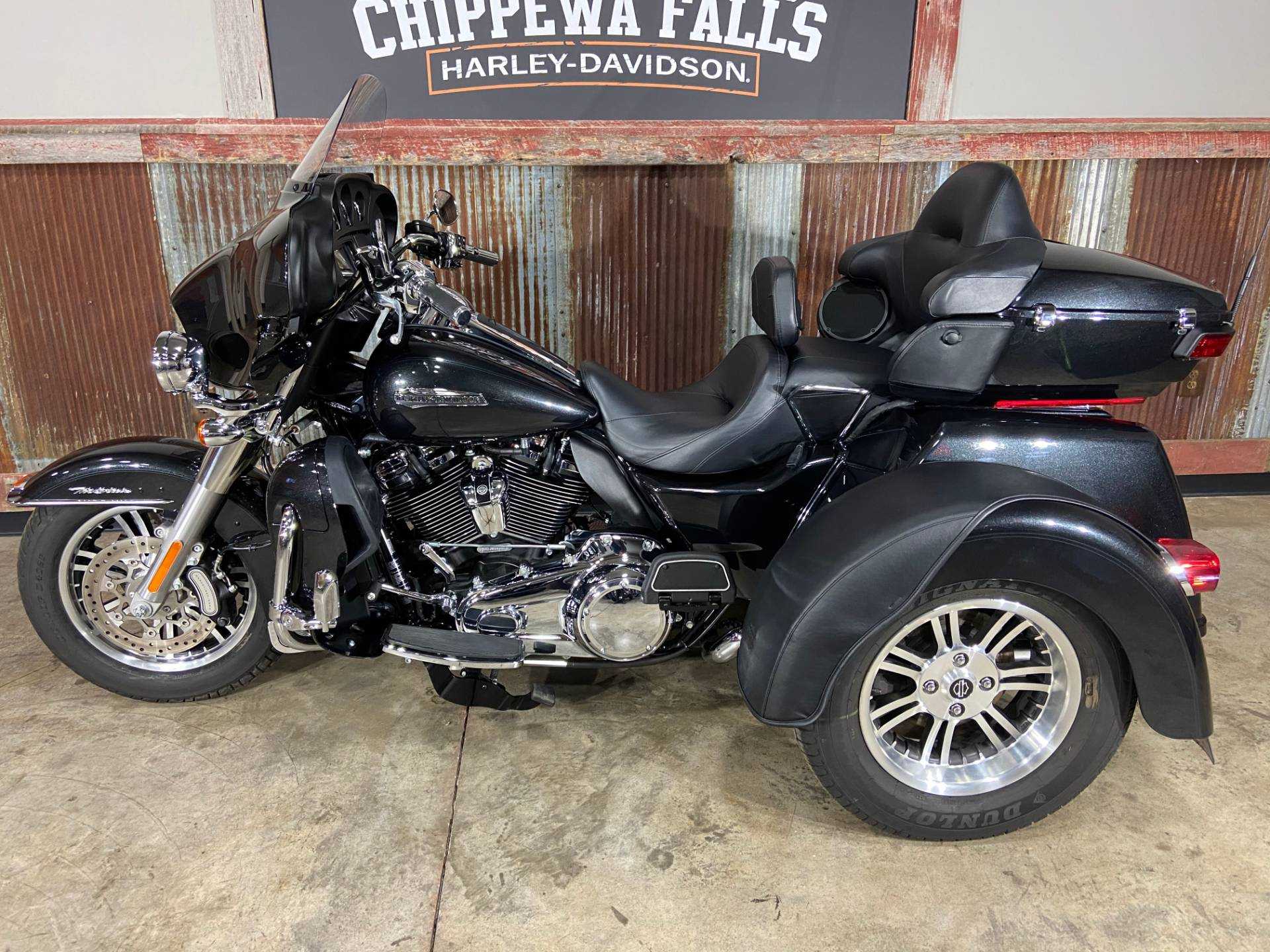 2018 Harley-Davidson Tri Glide® Ultra in Chippewa Falls, Wisconsin - Photo 8