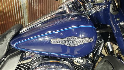 2013 Harley-Davidson Ultra Classic® Electra Glide® in Chippewa Falls, Wisconsin - Photo 10