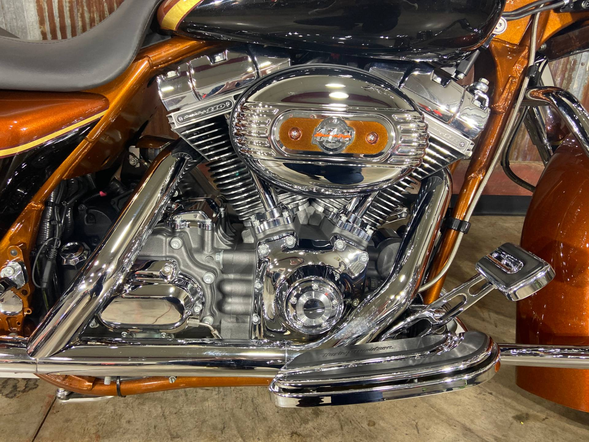 2008 Harley-Davidson CVO™ Screamin' Eagle® Road King® in Chippewa Falls, Wisconsin - Photo 8