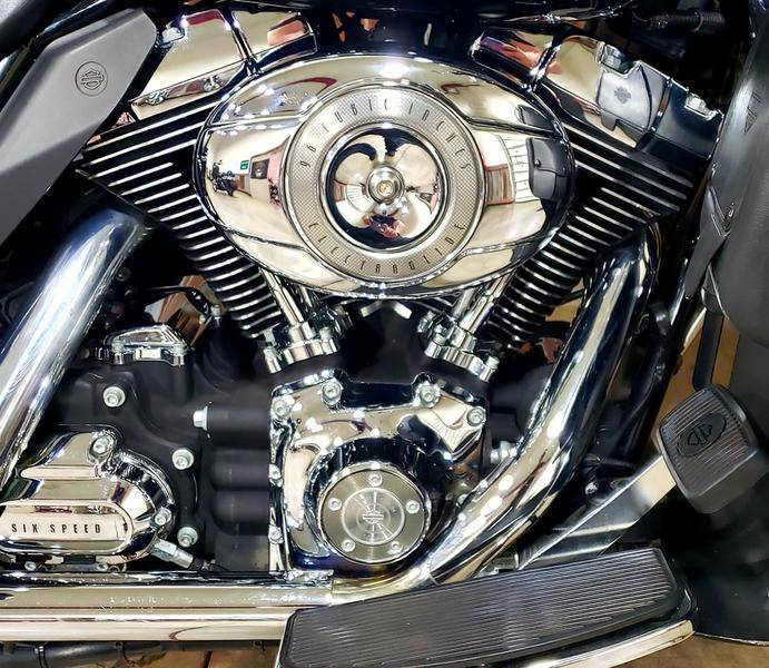2007 Harley-Davidson Ultra Classic® Electra Glide® in Chippewa Falls, Wisconsin - Photo 7