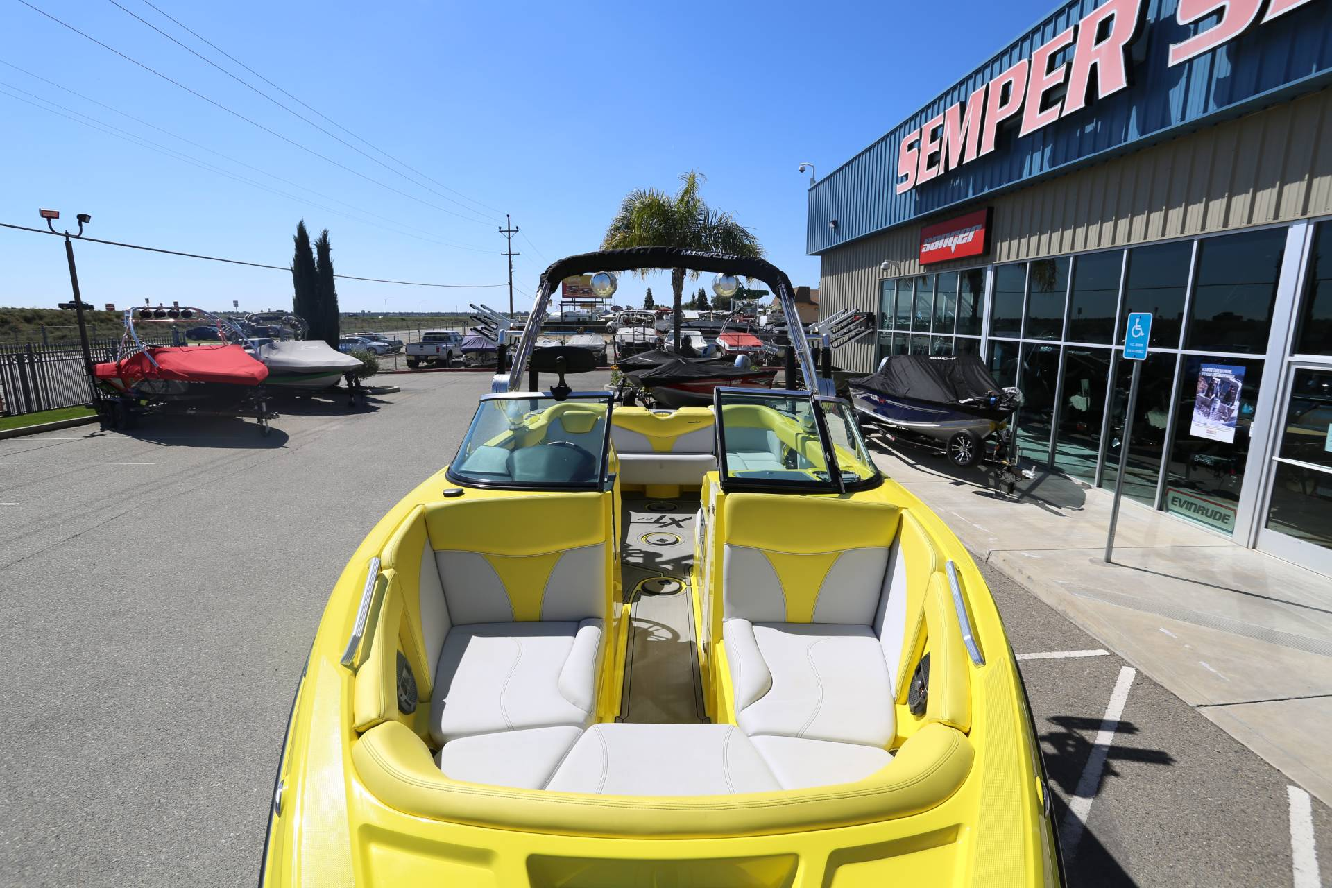 2020 Mastercraft XT22 in Madera, California - Photo 3