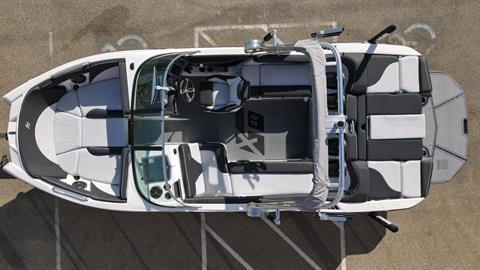 2021 Mastercraft XT22 in Madera, California - Photo 4