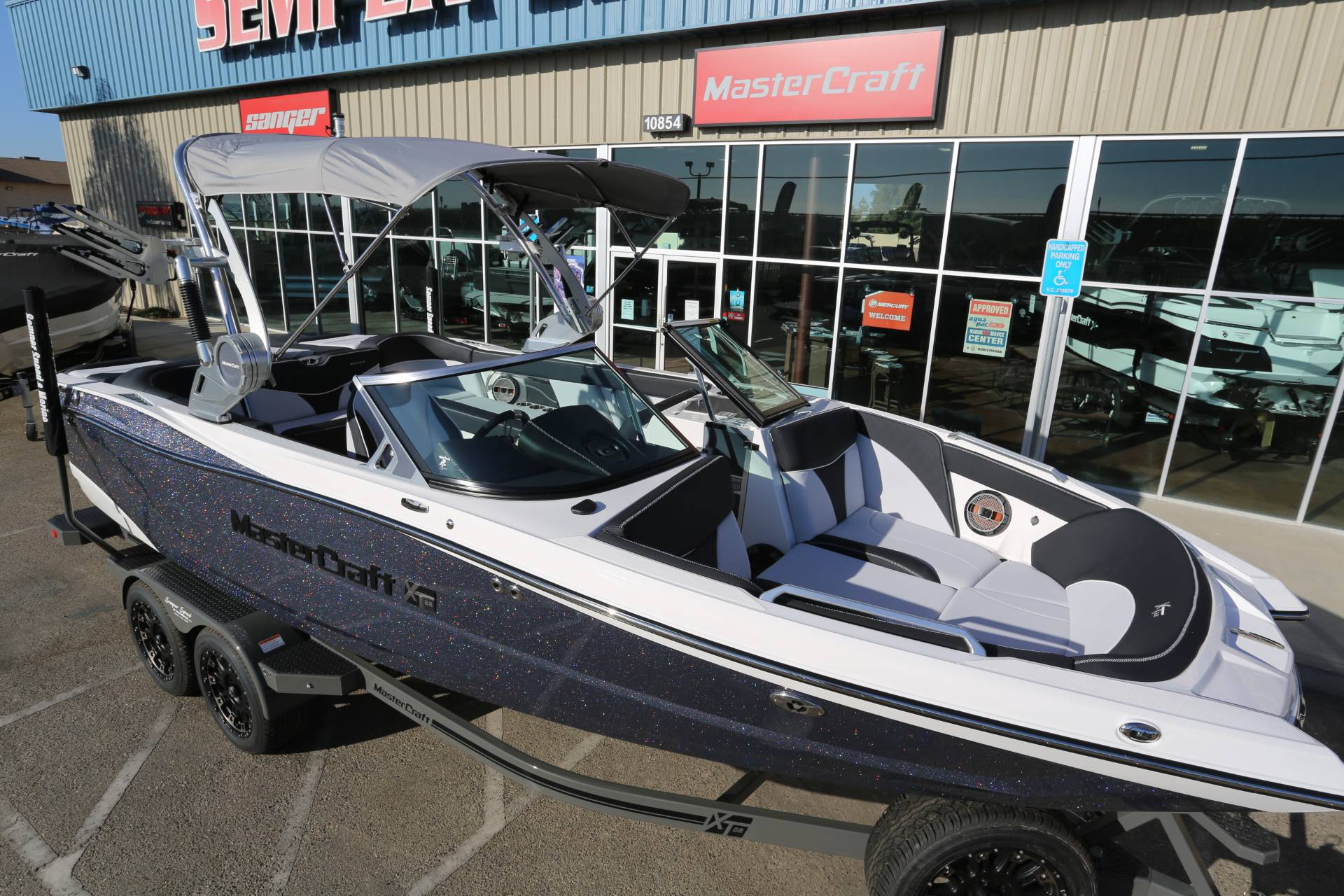 2021 Mastercraft XT22 in Madera, California - Photo 5
