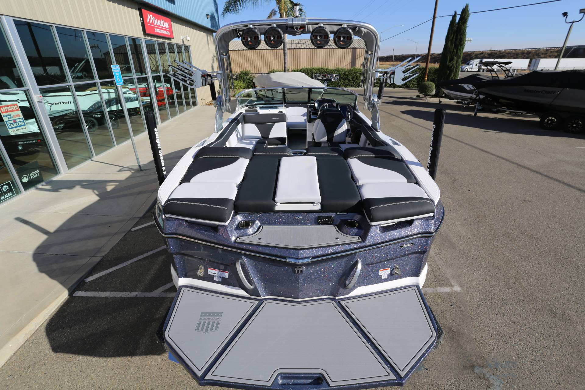 2021 Mastercraft XT22 in Madera, California - Photo 9
