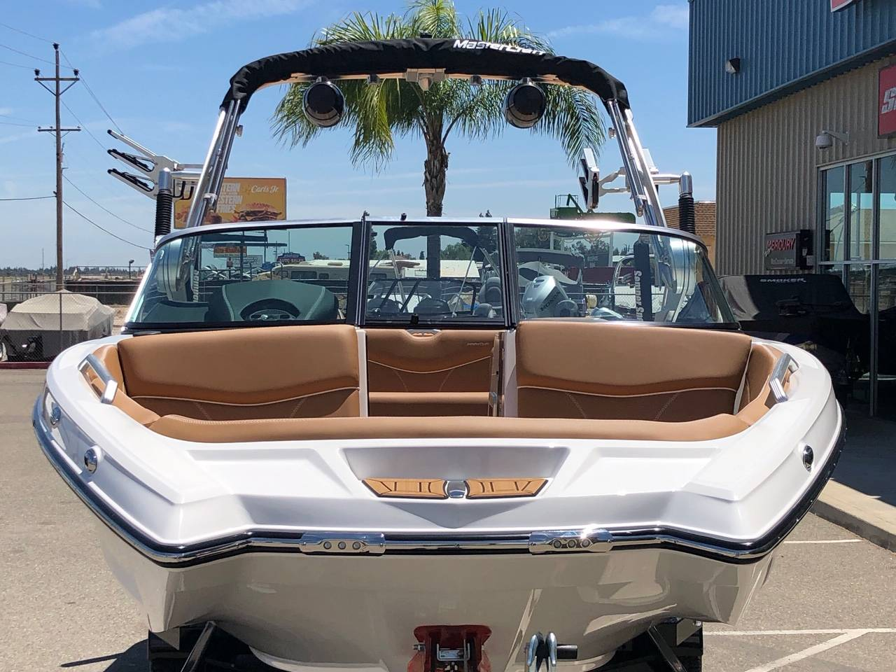 2019 Mastercraft XT22 in Madera, California - Photo 3
